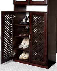 Closet Organizers Shoe Rack behind Lattice Doors